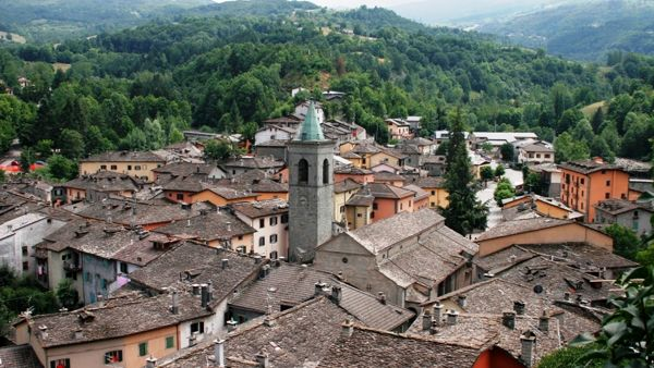 Il borgo di Fiumalbo visto dall'alto. Foto © www.modenatoday.it